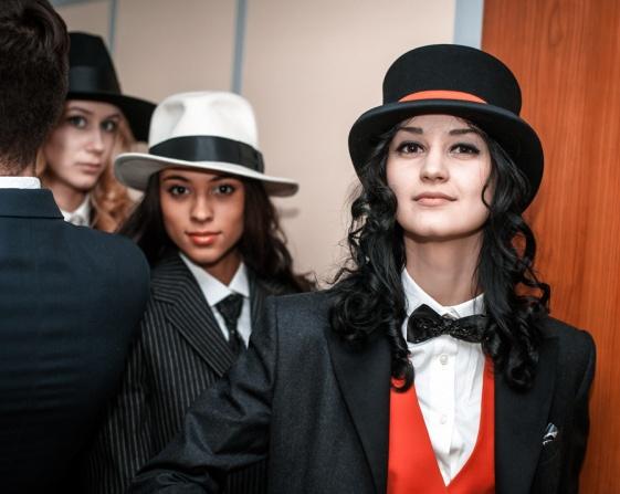 Новогодний корпоратив: Девушки - мужчины